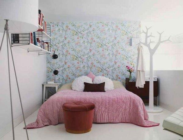 inspirac3a7c3a3o-quartos-pequenos-decorados-quarto-feminino-com-papel-de-parede
